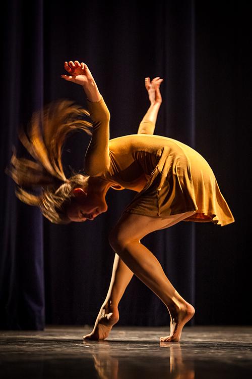 Elke in een prachtige dansmove